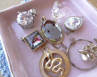Vintage Jewelry Lot, Vintage Destash, Jewelry Destash. Costume Jewelry Lots. Glass Cameo, Glass pendants, Snake Charm, Flower Drop D73