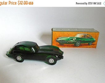 SALE - Vintage 1970's AVON Jaguar Car Decanter Emerald Green Glass Bottle with Deep Woods After Shave in Box