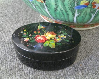 Russian Hand painted Lacquer Box oval
