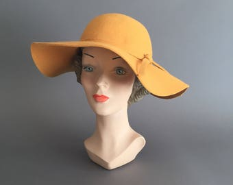 Mustard yellow 60s Fall felt vintage hat. vintage 1960s hat