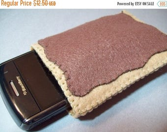 FLASH SALE Felt Poptart cozy/pouch (Brown sugar cinnamon)- Great cozy for ipods, phones, cameras, etc