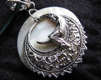 Pearl moon necklace | mother of pearl | silver | woman | boho | victorian