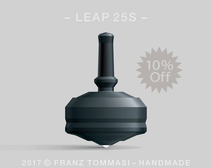 LEAP 25S Black Spin Top with black polymer body, ergonomic stem with rubber grip, and ceramic tip