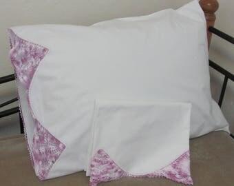 Vintage White Cotton Pillow Case Pair Set With Lavender Hand Crochet Fan Trim