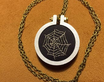 Silver Embroidered Cobweb Necklace wood mini hoop
