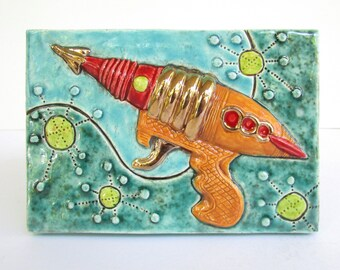 Ceramic Art Tile, Retro 1950s TOY RAY GUN Raygun, 4 x 6 Handmade Tile, Wall Art,  Sci Fi Toys