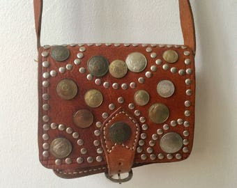 Incredible 1970s brian wn leatger boho studded purse