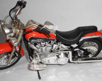 Very Finely Detailed HARLEY DAVIDSON Softail Motorcycle Model Mattel 1999