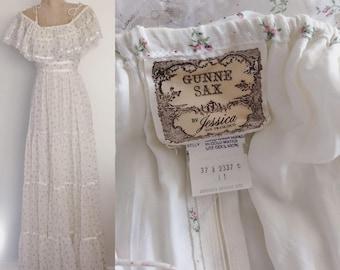 1970's Gunne Sax Off the Shoulder White Floral Cotton Maxi Dress Hippie Boho Size Small Medium by Maeberry Vintage