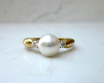 Estate 14k Solid Yellow Gold and 6.8 mm Cultured Pearl with Diamond Accent Ring, Size 6.75 // Engagement Ring // Promise Ring //
