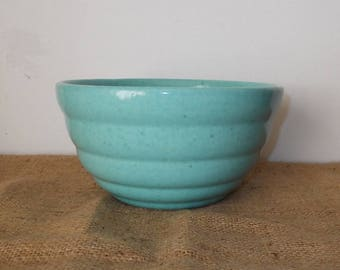 Vintage 1940s/1950s Pale Blue Speckled RInged Pottery Mixing Bowl-Great Display