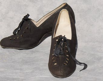 1920's Black Leather Suede Lace Up Flapper Shoes