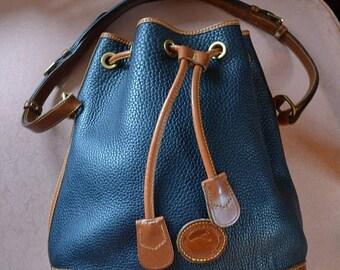 June Savings Dooney & Bourke~Vintage Dooney Bourke Bag~Dooney Bucket Bag~Dooney Sale