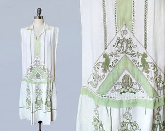 1920s Dress / 20s Embroidered Day Dress / Green and White / Cutwork Embroidery / Birds Shells Roosters! / Art Deco Geometric Motifs