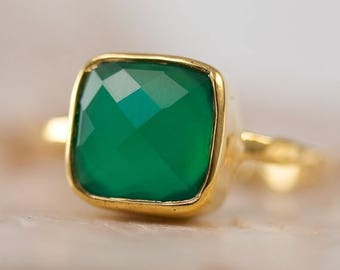 40 OFF - Green Onyx Ring Square Gold - Green Stone Ring - Gold Ring - Bezel Set Ring - Statement Ring - Cushion Cut