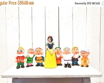 Snow White and the Seven Dwarfs Figurines - 1980s Painted Vinyl Toys - Vintage Disney Water Toy Set