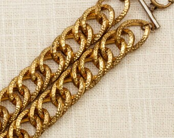 Vintage Bracelet Chunky Double Strand Interlocking Hammered Loops Gold Chain Costume Jewelry 7J