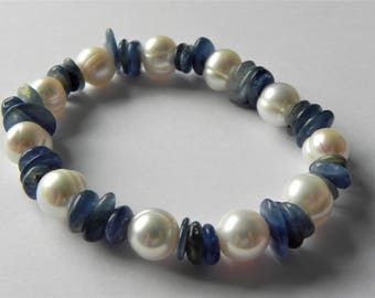 Kyanite and freshwater cultured pearl gemstone stretch bracelet.