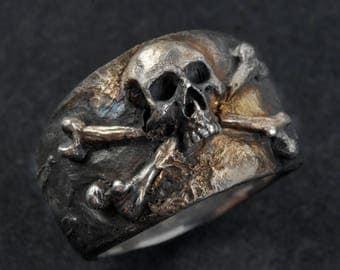 Skull and Crossbones Ring,Skull Ring,Pirate Ring,,Mens Silver Skull Ring, Biker ring, Rocker ring,.925