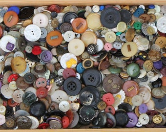 Over 2 Pounds of Vintage Buttons, Lot of Buttons, Buttons in Bulk, Loose Buttons