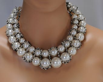 Bib Necklace, Pearl Necklace, Chunky Necklace, black and white necklace, Gift for her, layered necklace, short necklace, everyday use