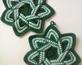 Star Flower Potholder - Green and White Hot Pad- St. Patrick's Day Decor - Christmas Decor - 100% Cotton, Ecofriendly, Reversible