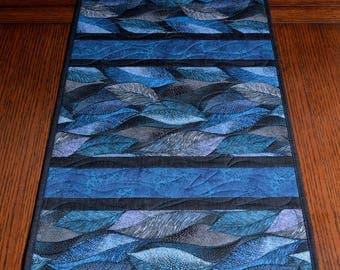 Blue Leaves table Runner