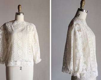 Vintage Daisies by the river blouse / Lace top