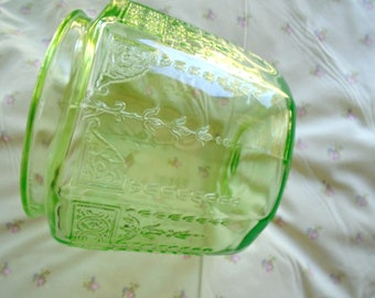 Vintage Depression Glass Biscuit Jar / Green Glass / Cookie Jar / Anchor Hocking / 1930s / Princess Pattern / Vintage Kitchen / Pantry
