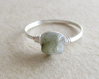 Labradorite gemstone chip bead wire wrapped ring - size 6 1/4
