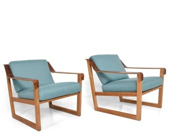 Pair of Danish Modern Armchairs in Oak and Rosewood Arms