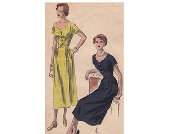 SALE 1940s Dress Pattern Vogue 6645 Size 12 Bust 30 Scalloped Neckline Front and Back Fitted Waist Short Kimono Sleeves Vintage Sewing Patte