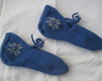 Hand Knit Wool Snowflake Slippers