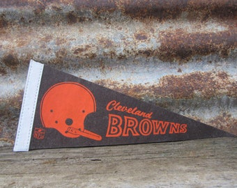Vintage Football Pennant Cleveland Browns 5 x 11 Inch 1980s Era NFL Small Mini Felt Pennant Banner Flag Distressed Vintage Display Sports