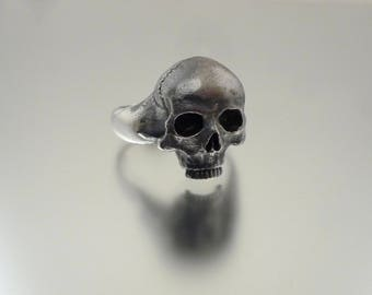 Silver Skull Ring with all the gory detail