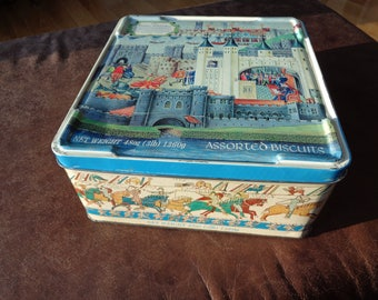 ATTENTION ALL ANGLOPHILES!!!!!  Vintage Olde English Biscuit Tin with the Tower of London and the Bayeux Tapestry illustrated on five sides