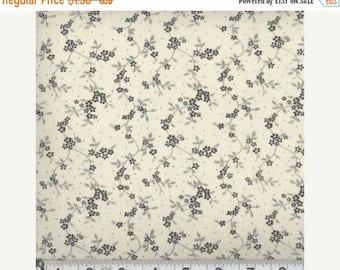 ON SALE Floral Fabric, Quilters Calicos, Cream and Green Floral Fabric, Green Fabric, Green Flowers, 10012