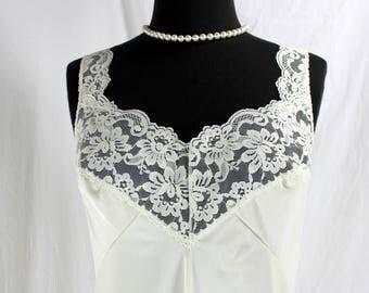 Vintage Henson Kickernick Ivory Lace Nightie Short Nightgown Slip 38