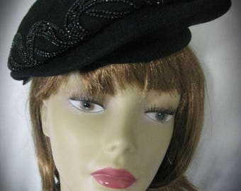 30% Off Clearance Sale 1940's - 1950's Vintage Black Glass Beaded Beret Hat