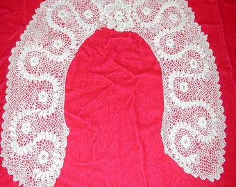 "No. 100 Antique Irish Lace Collar; 18"" Inside; 5"" wide"