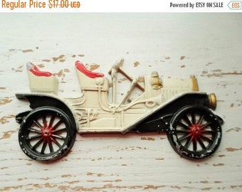 ON SALE Vintage Midwest Co. 1910 Buick Car Cast Metal Wall Plaque, Antique Car, White, Red, Black, Wall Decor, Boys Room, Man Cave, Collecti