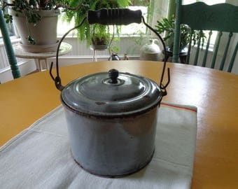 Vintage Granite Ware Pail With Lid, Enameled Tin Berry Bucket