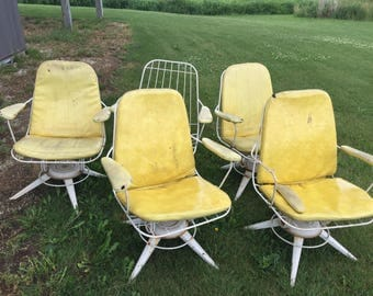 Set of Five Homecrest Chairs with Large Table