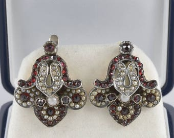 Rare Georgian garnet and pearl Fleur de Lys earrings