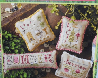 Lizzie-Kate 'Summer Small's chart and embellishment pack