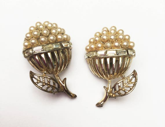 Coro Flower earrings -  White faux pearls  -Clear rhinestones -  Gold plated metal  - Clip on earrings