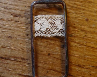 Rectangle pendant - 51 - antique lace and glass