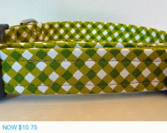 """Sale - 50% Off Dog Collar - Preppy Unisex Olive Green Plaid Dog Collar """"Ollie"""" - Free Colored Buckles"""