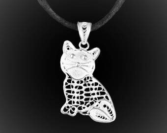 Kitty pendant with silver embroidery