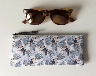 Etui à lunettes molletonné en tissu Toucan